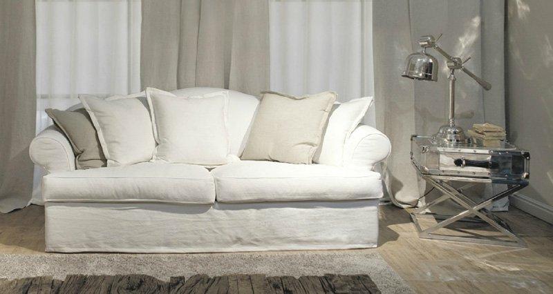 Divani bianchi classici design casa creativa e mobili for Mobili per divani