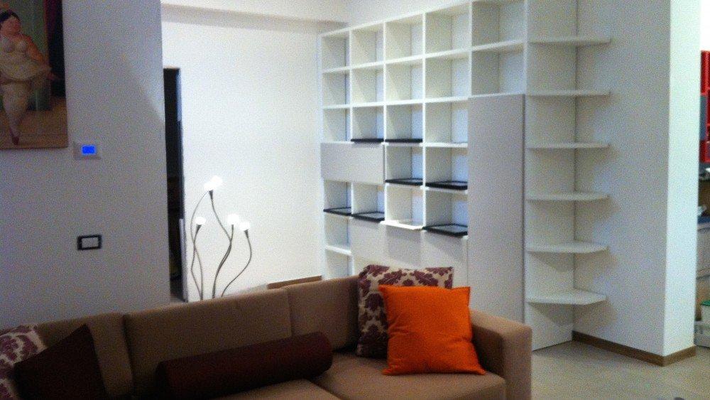 come arredare appartamento stile moderno