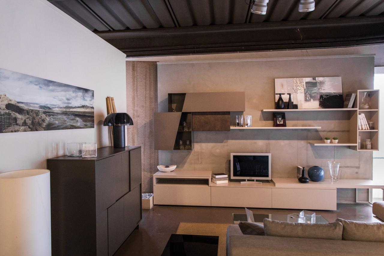 Composizione modello atlante arredamento casa e cucina a for Arredamento casa outlet