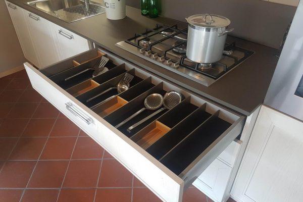 Offerte outlet arredamento casa e cucina a firenze for Arredamento casa outlet